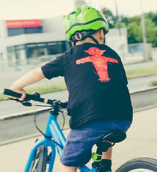 Kids Summer Activities - Kid riding a bicycle