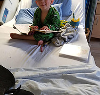8 Tips on Parenting a T1D Child - child in hospital with diabetes
